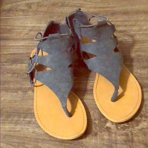 Dollhouse size 6 sandals.